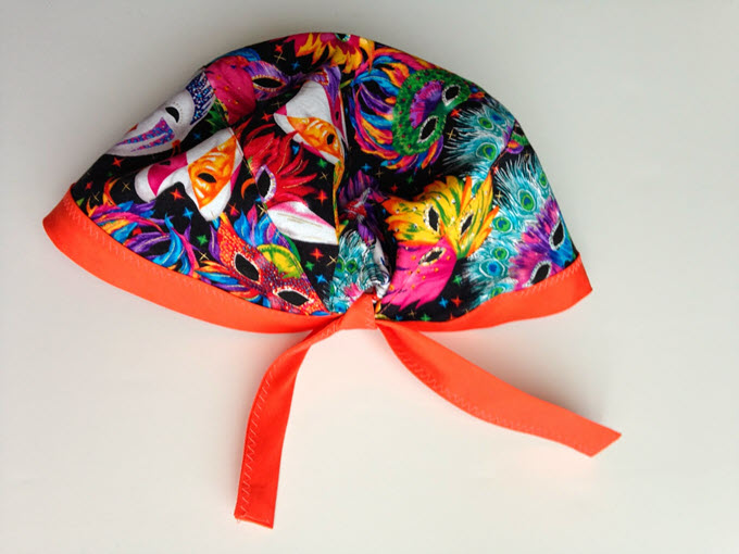 DIY Scrub Cap In Mardi Gras Pattern