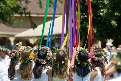 DIY: Making a Maypole for a Maypole Dance