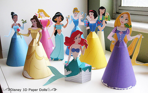 Tracing Paper Dolls for the Silhouette to Print and Cut