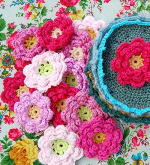 16 How To Crochet Flowers And Bag Patterns Tip Junkie