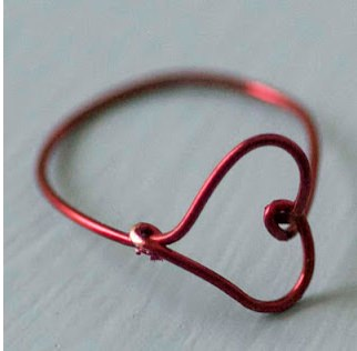 wire heart finger ring