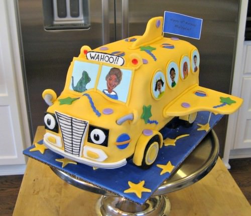 Magic School Bus cake