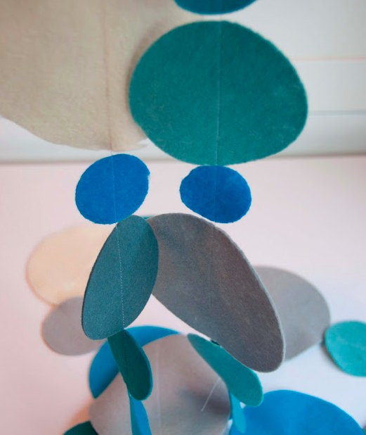 Polka Dot Felt Garland to sew