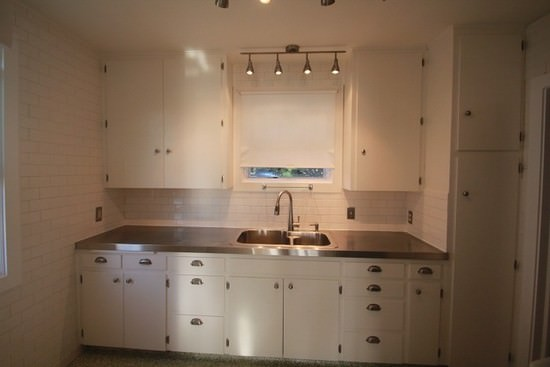 6526-how-to-install-stainless-steel-counters.jpg