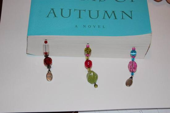 how-to-make-beaded-bookmarks-cheap-easy-gift-image-40.jpg