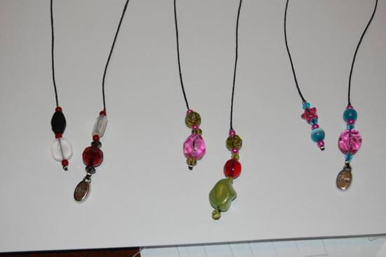 how-to-make-beaded-bookmarks-cheap-easy-gift-image-41.jpg