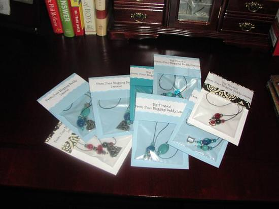 how-to-make-beaded-bookmarks-cheap-easy-gift-image-52.jpg