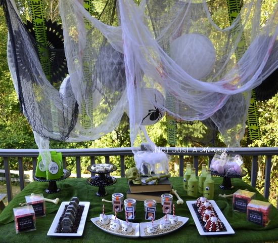 Halloween Zombie Treat Table