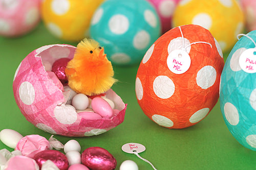 Papier-Mache Easter Eggs {Craft Ideas}