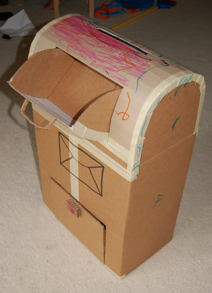 57 Clever Cardboard And Cardboard Tube Crafts To Make