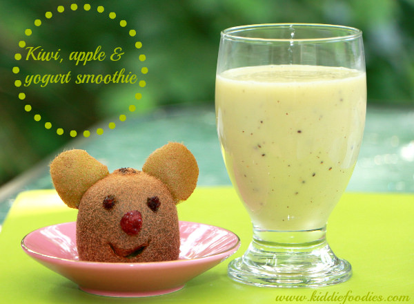 Kiwi and apple smoothie with a little kiwi bear m