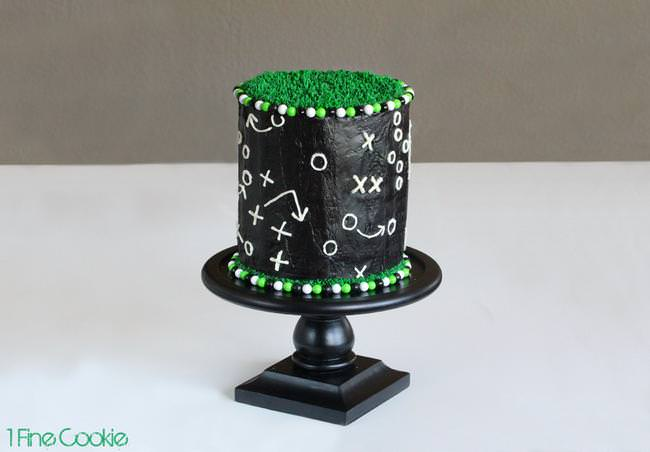 Game Play Football Cake by 1 Fine Cookie-jpg