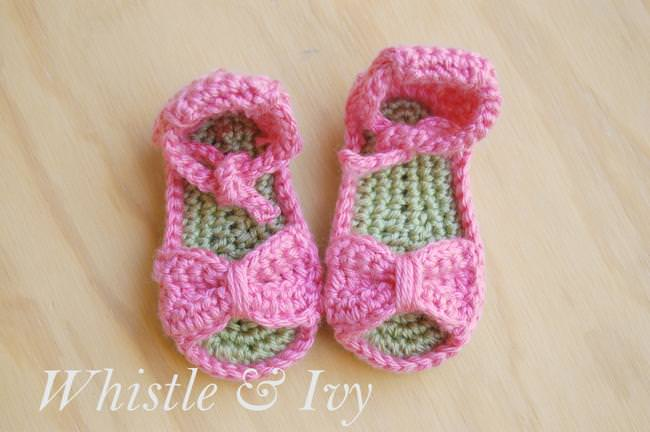 Bitty Bow Baby Sandals – Free Crochet Pattern | Tip Junkie