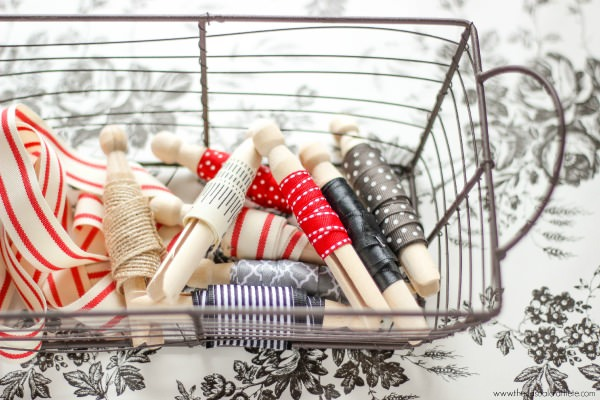 Use-wooden-clothespins-to-organize-loose-scraps-of-ribbon-jpg