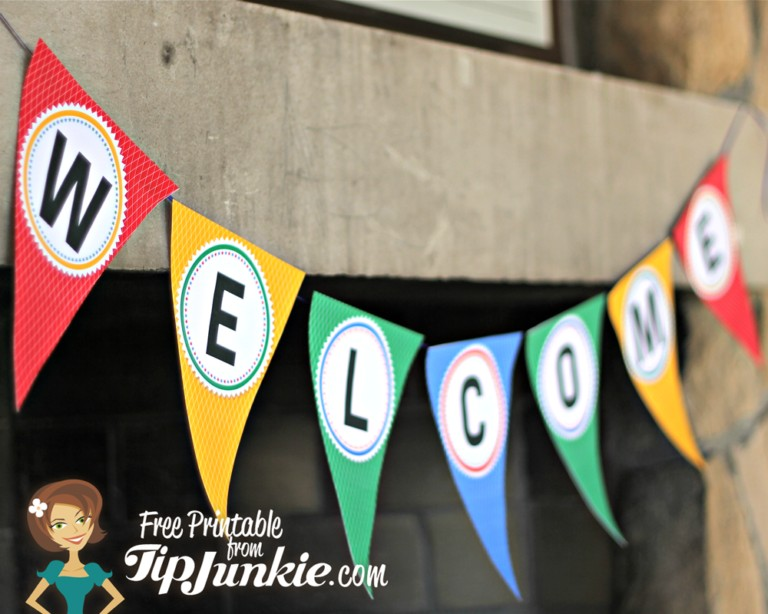 Big WELCOME Triangle Banner TipJunkie