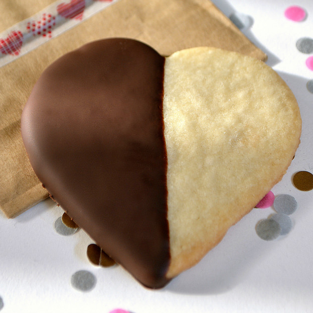 chocolate-dipped-shortbread-hearts-SUBMISSION-jpg
