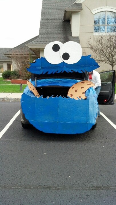 cookie monster face car trunk