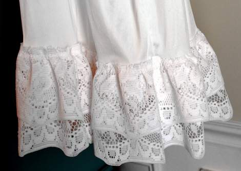 diy-ruffled-lace-slip-skirt-extender