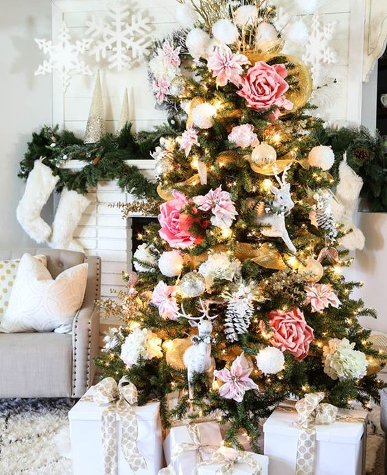 pink-and-gold-christmas-tree