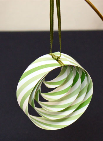 easy christmas circle paper ornament