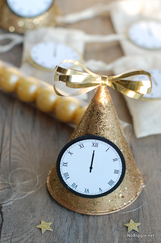 New Year's Eve Clocks {free printables}