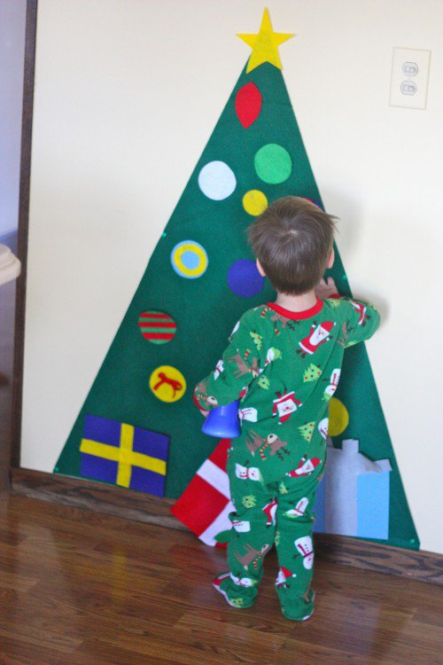 10 DIY Wall Christmas Tree Ideas | Tip Junkie