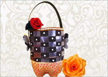 Recycled Plastic Bottle Craft : How To Make Plastic Bottle Utility Basket