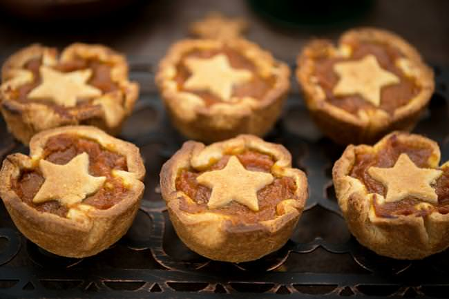 mini pumpkin pies-jpg