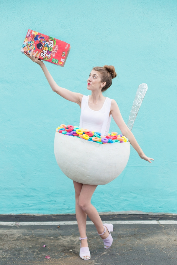 DIY-Cereal-Bowl-Costume for Teens  sc 1 st  Tip Junkie & 50 Easy Halloween Costumes for Girls | Tip Junkie
