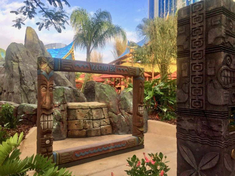 Tap to Snap Exclusive Photo ops at Universals Volcano Bay