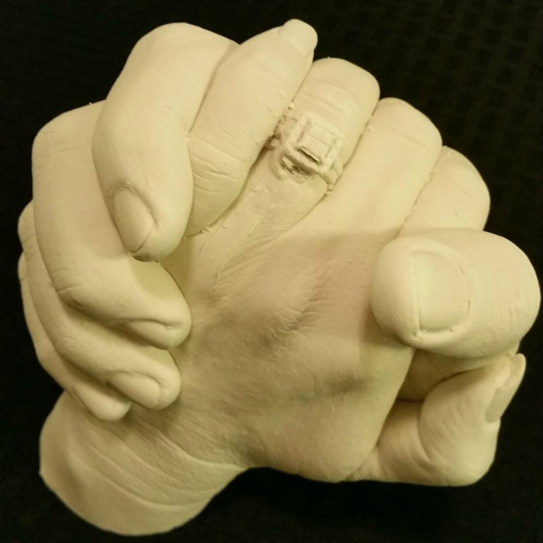 Holding hands mold cheap wedding gift idea