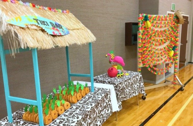 DIY Tiki Bar with Pineapple Donus from MellieAndLou