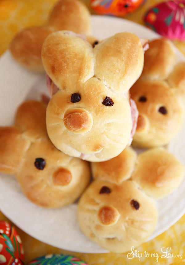 How to Make Bunny Rolls for Easter Bread