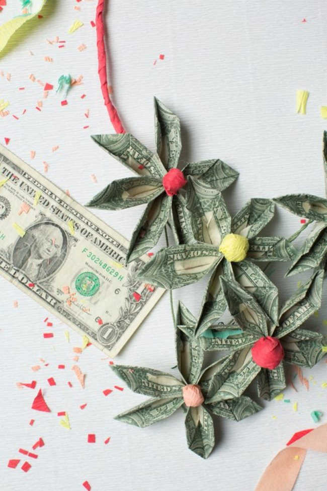 money flower necklace