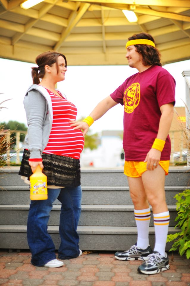 Pregnant couple dressed as characters from Juno