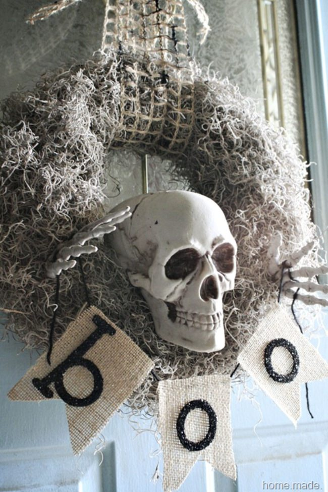 Spooky Skeleton Wreath