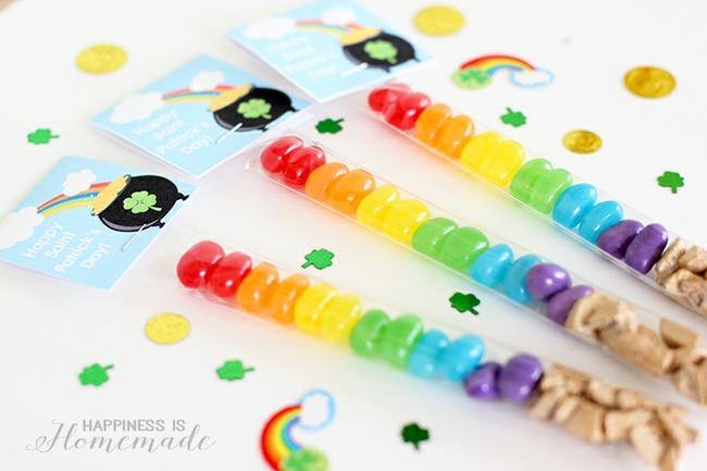 St. Patrick's Day Treat Bags {free printable}