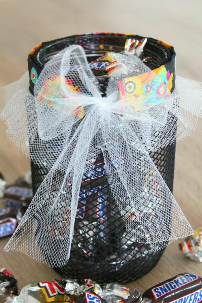 DIY-Halloween-treat-jar-jpg