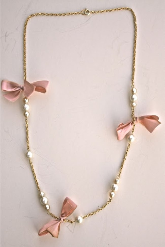 J.Crew Inspired Bow and Pearl Necklace {Necklaces}