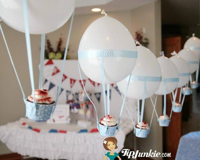 hot air balloon cupcakes for a travel party