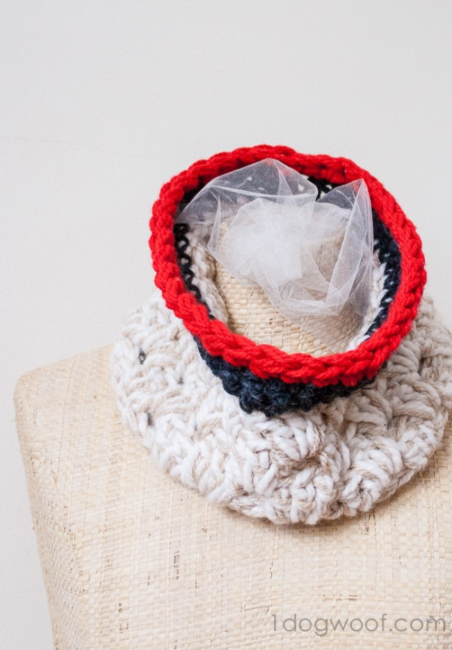 DIY Anthropologie Inspired Cowl {free crochet pattern}