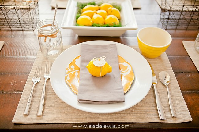 A Beautiful Fresh Thanksgiving Place Setting {Table Setting}