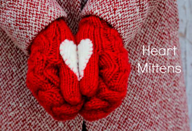 Cozy Heart Mittens {Holiday Patterns}