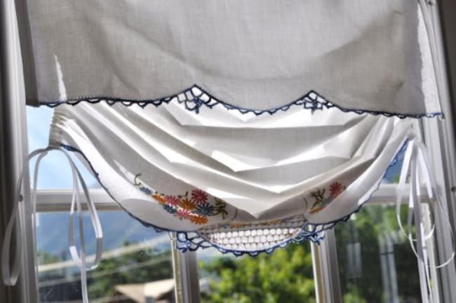 Tutorial: Turn A Vintage Pillow Case Into a Window Shade