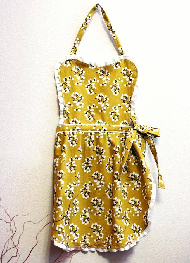 20 Lovely Apron Patterns to Make {how to} | Tip Junkie