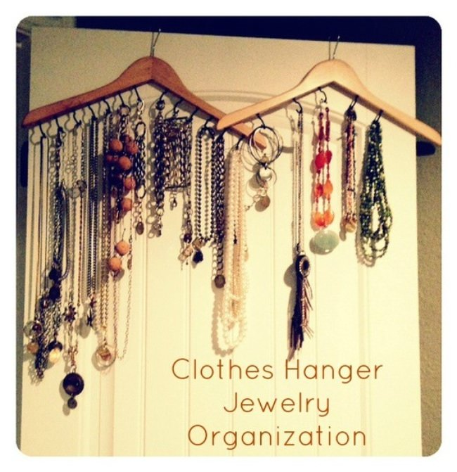 DIY Clothes Hanger Jewelry Organizer