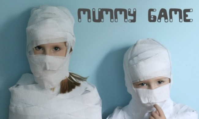 mummy dress up a fun team game to see who can make a mummy the quickest divide the children into groups give them crepe paper or toilet paper and let - Halloween Games For Groups