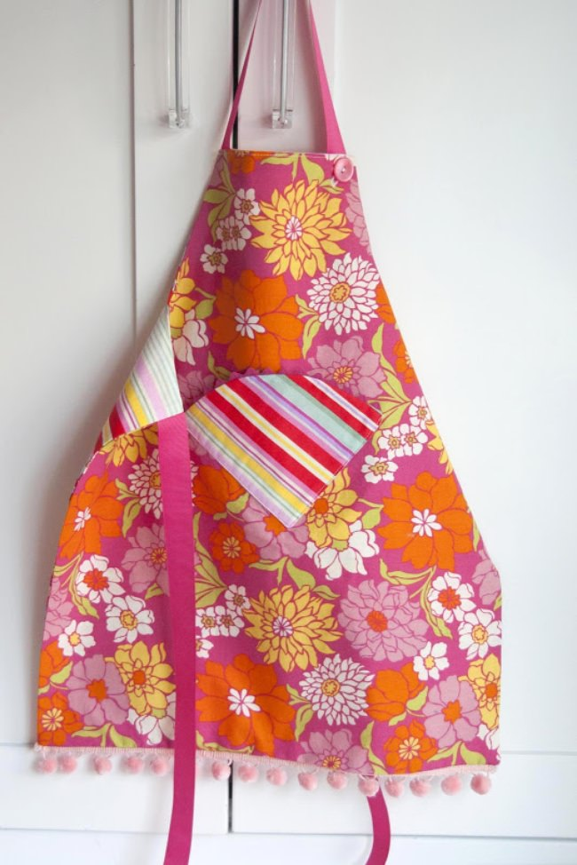 Child's Fat Quarter Apron {pattern and tutorial}