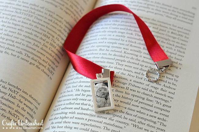 Photo Pendant Bookmarks