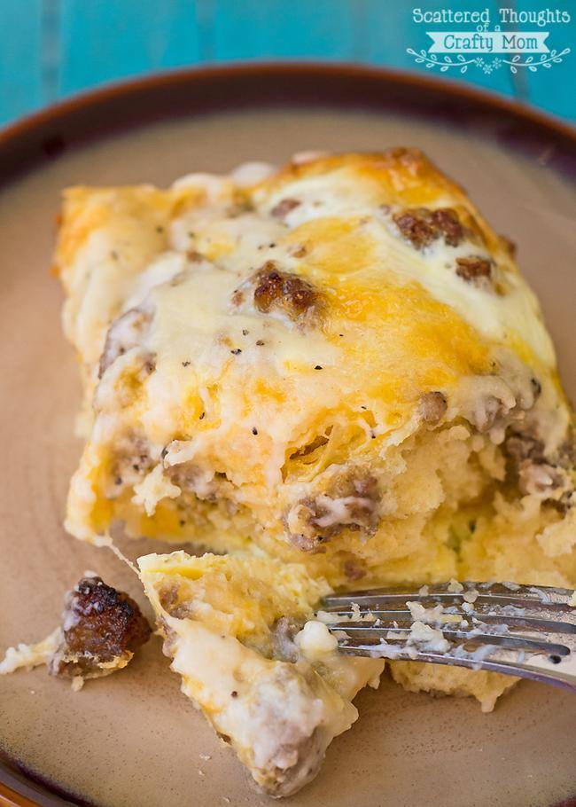Sausage and Gravy Breakfast Casserole